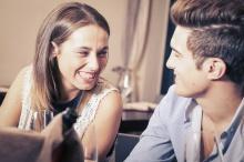 10 สัญญาณที่บอกว่าเขาไม่ได้คิดกับคุณมากกว่าคำว่า เพื่อน