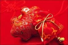 ตำนานผู้เฒ่ากับชุดชั้นในสีแดง ที่มาสีมงคลของชาวจีน