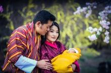 เผยภาพเจ้าชายน้อยภูฏาน โอรสกษัตริย์จิกมีและพระราชินีเจ็ตซุน