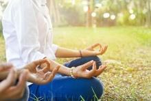 วิธีฝึกนั่งสมาธิ เบื้องต้น สำหรับคนคิดมาก ฟุ้งซ่าน ท้อแท้ง่าย