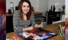 โรค 'ซินเนสทีเซีย' มองเห็นสีจากเสียง! ศิลปินสาววาดภาพสีที่เห็นจากเพลงดัง
