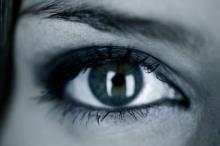 เมื่ออายุมาฟ้องที่ดวงตา