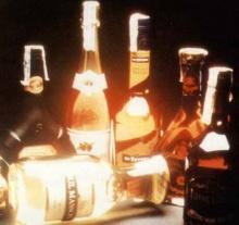 แอลกอฮอล์ทำให้ผู้หญิงเสี่ยงมะเร็ง