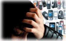 ภัยร้าย!! พกโทรศัพท์มือถือบนเตียง ทำให้ปวดหัว นอนไม่หลับ