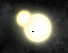 นักวิทยาศาสตร์ค้นพบดาวเคราะห์ขนาดใหญ่ที่โคจรรอบดาวฤกษ์แม่สองดวง
