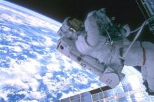 มนุษย์อวกาศบนสถานีอวกาศระหว่างชาติ นุ่ง กางเกงในไม่ต้องซัก