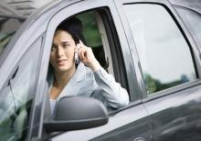 พบสาเหตุ พูดไป ขับไป อันตราย พูดต้องใช้ สมาธิมากกว่าฟัง 4 เท่า