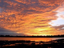 ทำไมท้องฟ้าเปลี่ยนสีในตอนเช้าและตอนเย็น