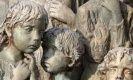 โหดร้าย...อนุสรณ์สถาน..เด็กที่ตกเป็นเหยื่อสงครามใน Lidice ของเยอรมัน